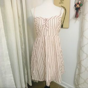 Converse dress large great condition